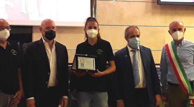Pallamano Spallanzani Casalgrande premiata dal presidente regionale Stefano Bonaccini